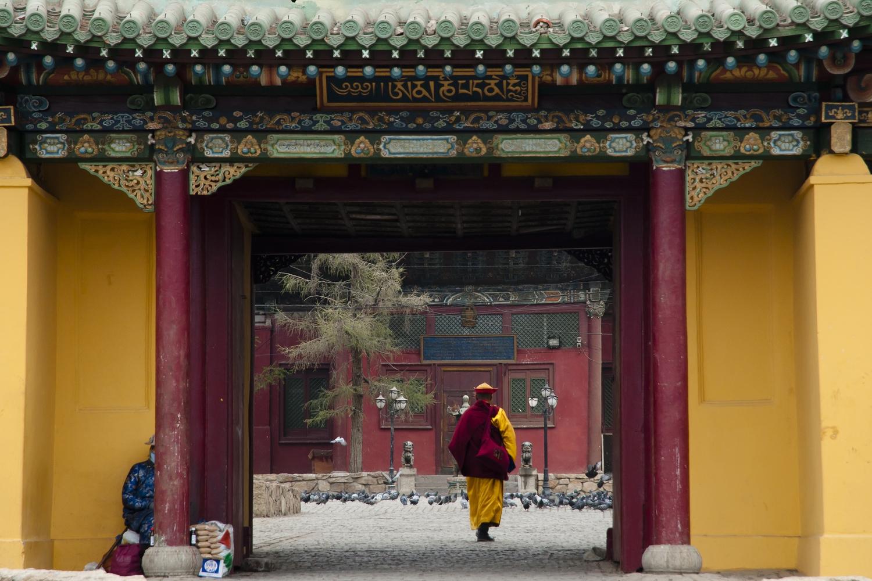 Gandan-monastery-travel-to-mongolia
