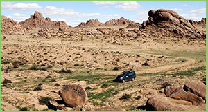 Ikh Gazriin Chuluu, middle gobi province, destinations of Mongolia, attractions of mongolia